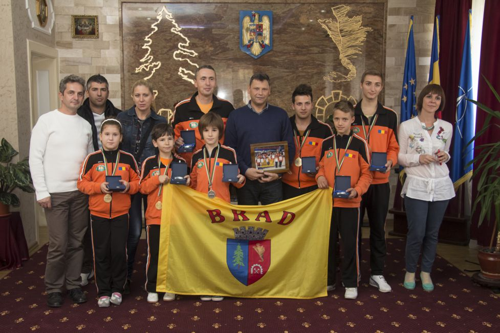 Sportivii Clubului Empi Karate Brad – performanțe deosebite la nivel mondial