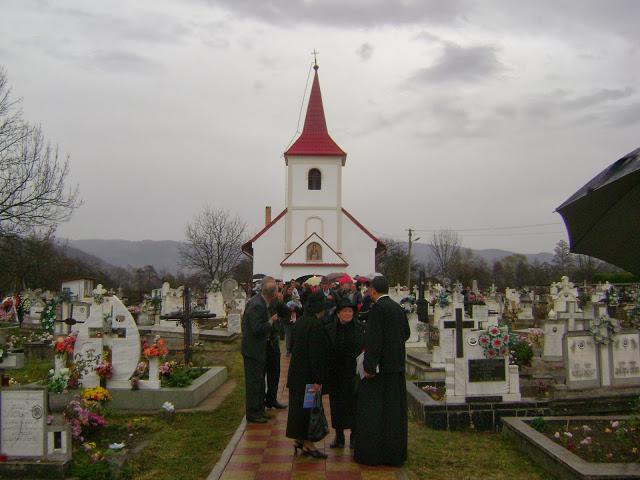 Biserica din Pui, judeţul Hunedoara, a fost târnosită ieri