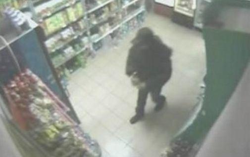 Petrila: Cercetat penal, pentru că a furat două sticle de băutură dintr-un supermarket