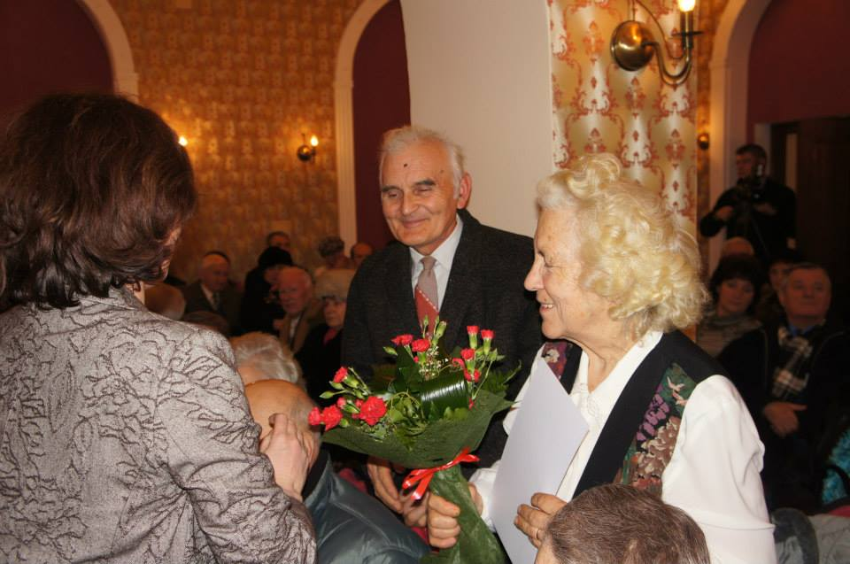 52 de cupluri devene au sărbătorit, alături de Primăria Deva, 50 de ani de căsătorie