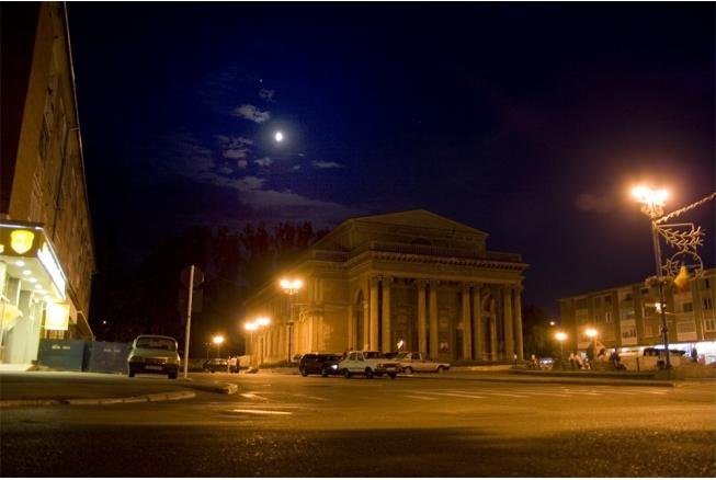 """Opera """"Carmen"""", pe scena Casei de Cultură din Hunedoara"""
