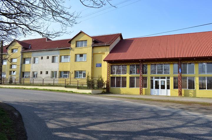 Reprezentanții Episcopiei Devei şi Hunedoarei au vizitat Centrul de asistență și îngrijire Brănișca