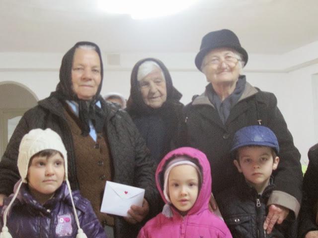 Mărțișoare pentru bunici, la Centrul Social al Episcopiei Devei și Hunedoarei