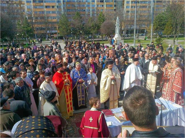 Hunedoara: Procesiune cu icoane în Duminica Ortodoxiei