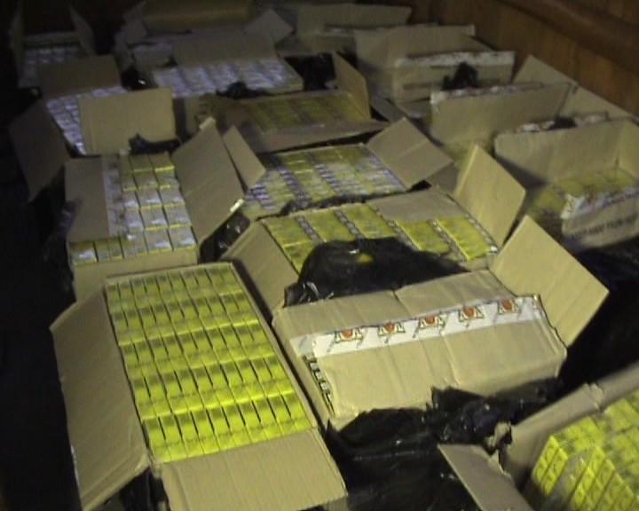 Țigări de contrabandă, în valoare de 2.500 lei, confiscate de polițiștii din Petroșani