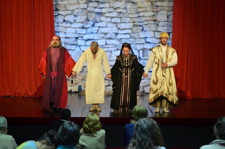 """Spectacol de teatru """"Plecare fără întoarcere"""", organizat de episcopia Devei şi Hunedoare"""