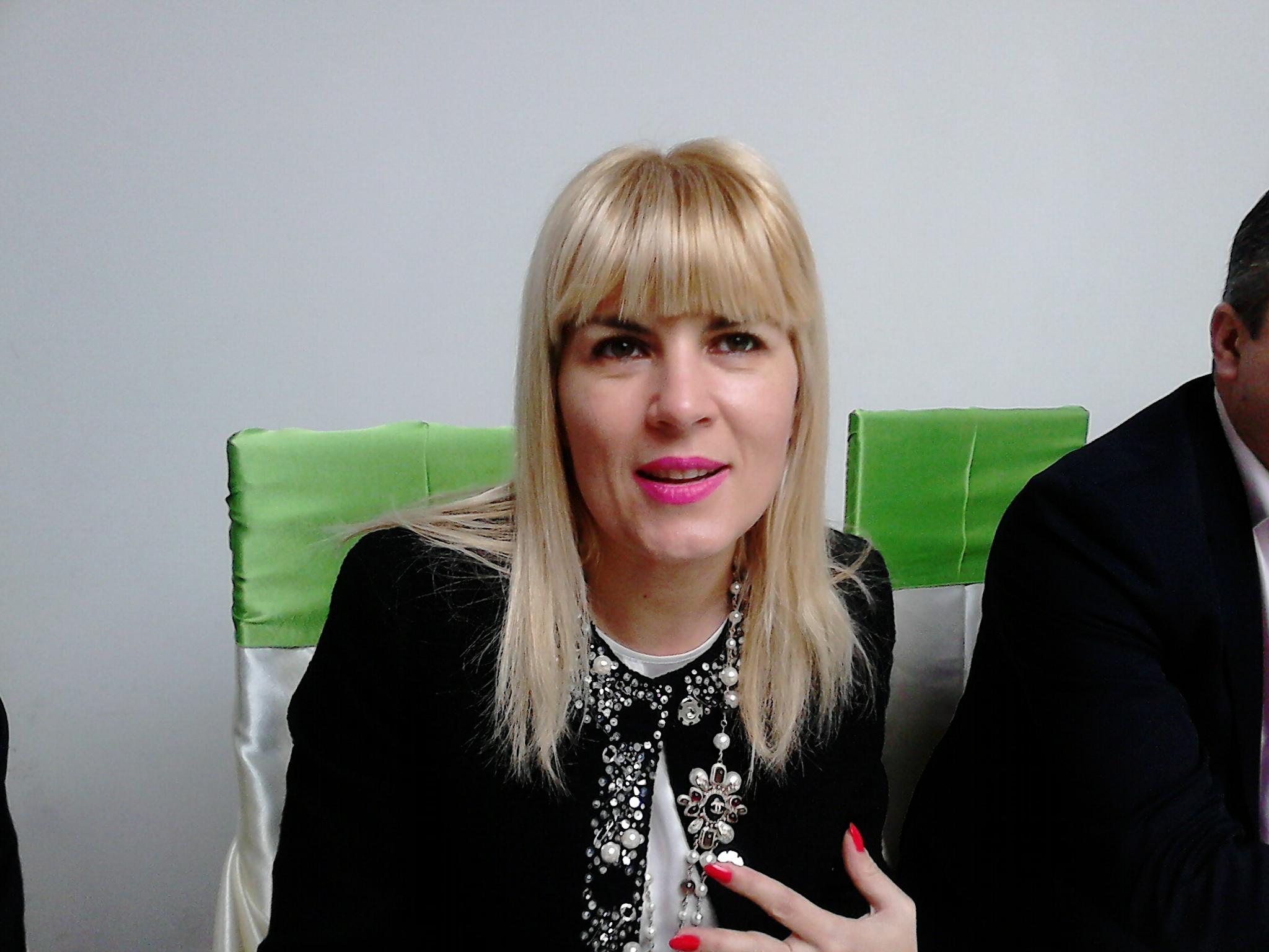 """Elena Udrea: """"Voi fi mai mult decât urmaşa lui Traian Băsescu. Voi numi un nou Guvern, voi dizolva Parlamentul şi voi genera o nouă clasă politică""""!"""