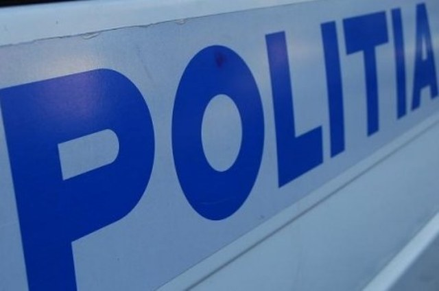 Călan: A intrat cu mașina în gard