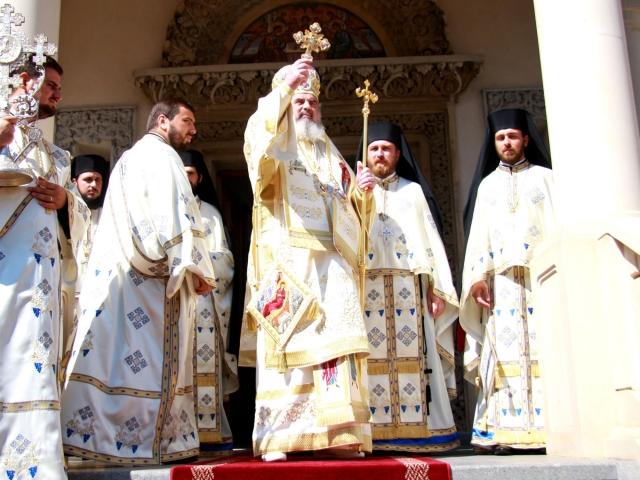 Patriarhul României a început vizita canonică în Episcopia Devei și Hunedoarei