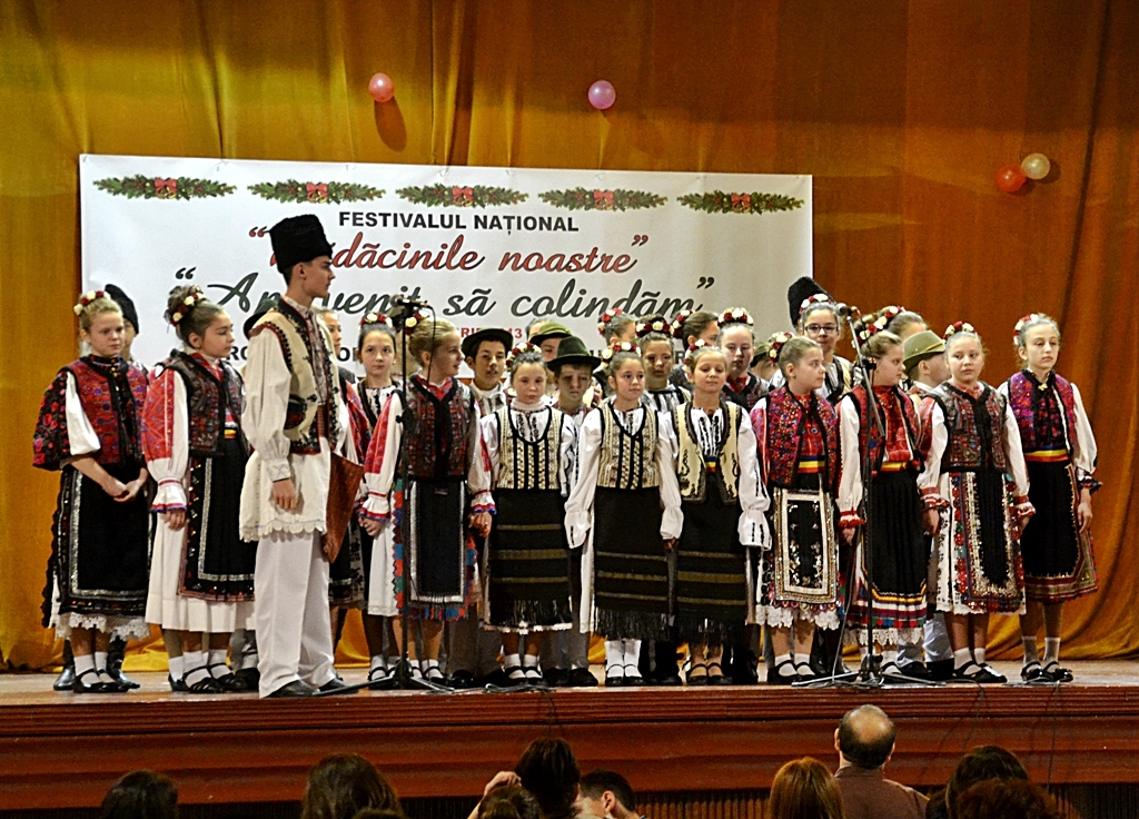 Festival de colinde și obiceiuri de Crăciun organizat de Clubul Copiilor Hunedoara
