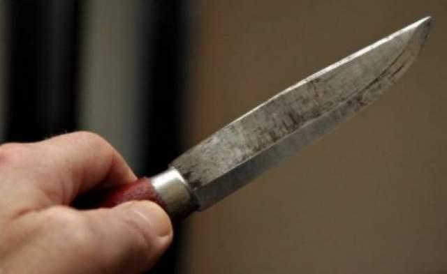 Un bărbat din Petrila a încercat să se sinucidă cu un briceag