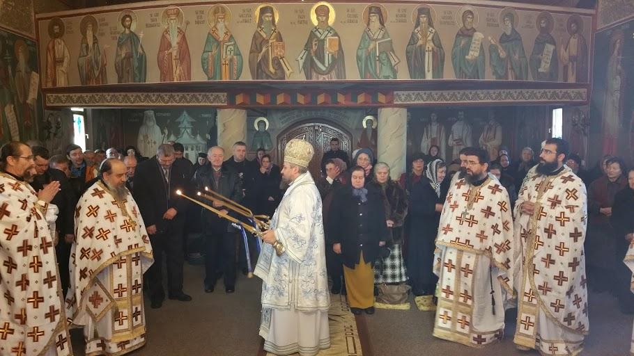 Slujire arhierească la Mănăstirea Crişan
