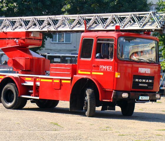 Incendii produse în Vulcan și Dobroț