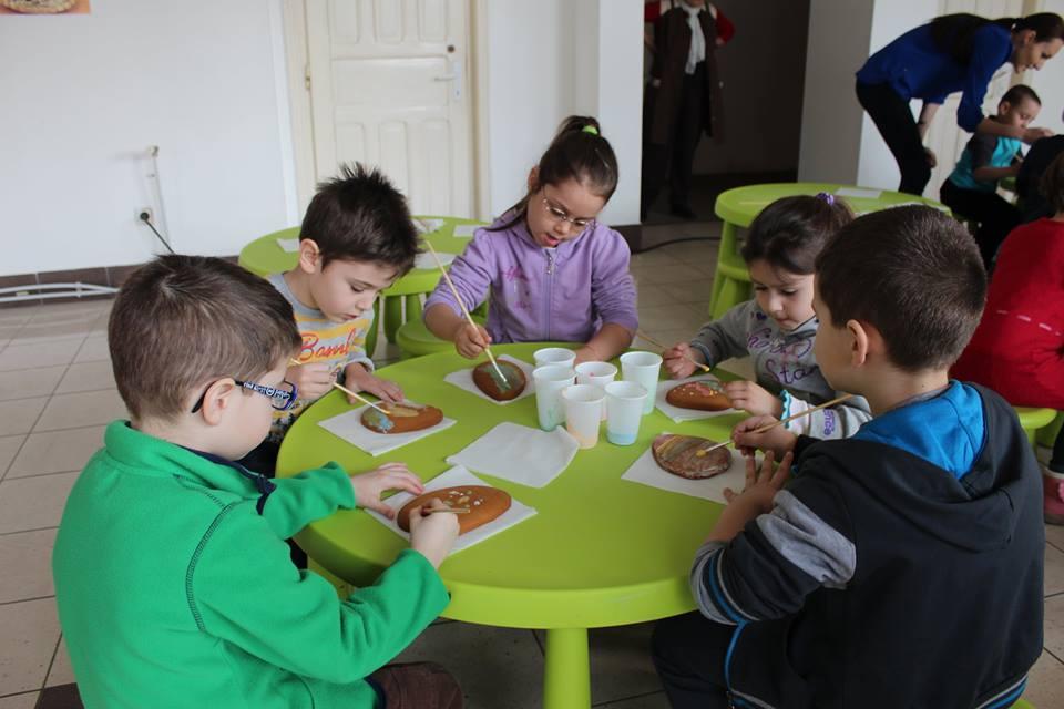 Hunedoara: Atelierul Iepuraşului de Paşte