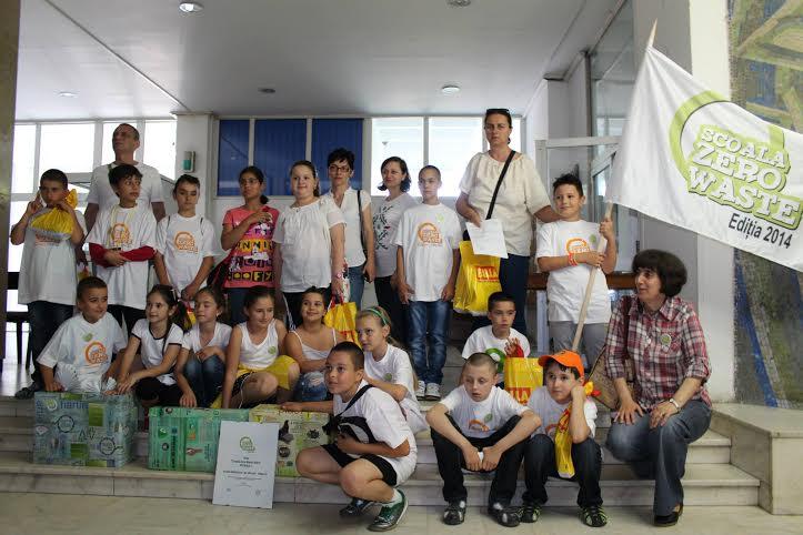 """A început concursul de educație ecologică """"Școala Zero Waste"""" ediția 2015. Participă și două școli din Hunedoara"""