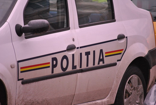 Un polonez a ajuns la spitalul din Petroșani, după ce s-a răsturnat cu motocicleta în albia unui râu