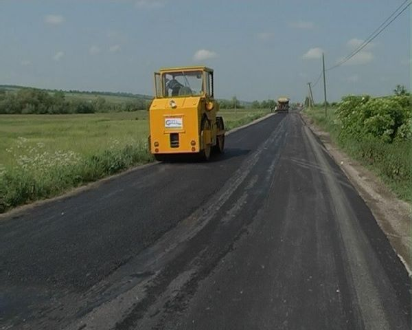 Ultimatumul a funcţionat! Drumul Crişcior-Bucureşci a fost asfaltat contra-cronometru