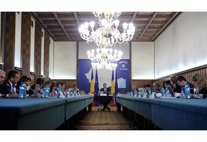 Guvernul României: Salariile personalului nedidactic, majorate cu 12%