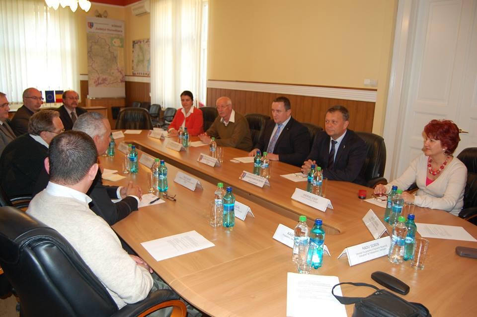 Delegație din Franța, în vizită la CJ Hunedoara