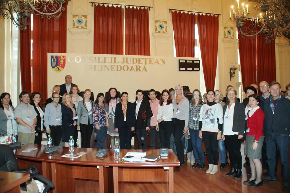 Întâlnire pro educaţie la CJ Hunedoara
