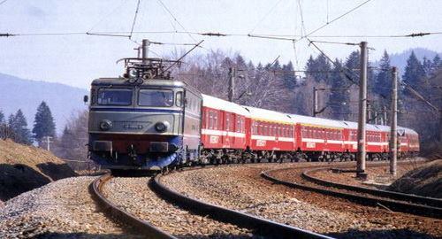 S-a reluat circulația trenurilor pe ruta Hunedoara – Simeria și retur