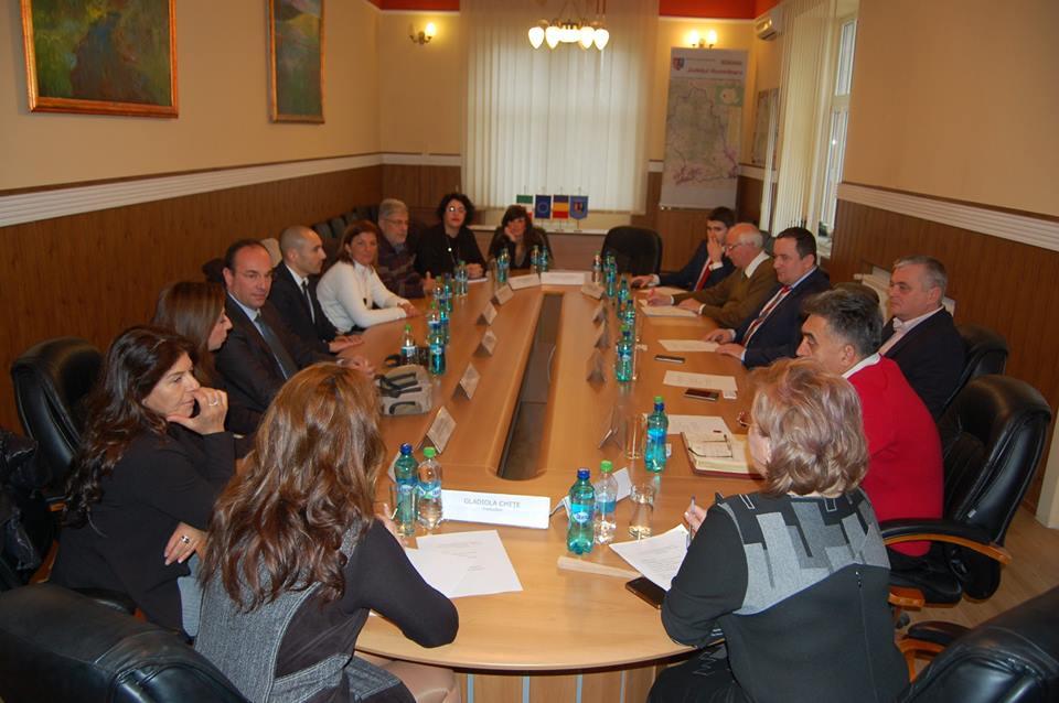 Delegație italiană, în vizită la CJ Hunedoara