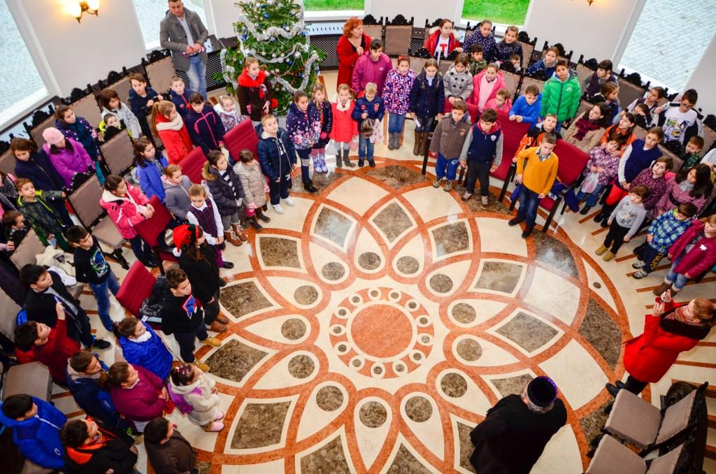 Colindători la Centrul Eparhial al Episcopiei Devei și Hunedoarei