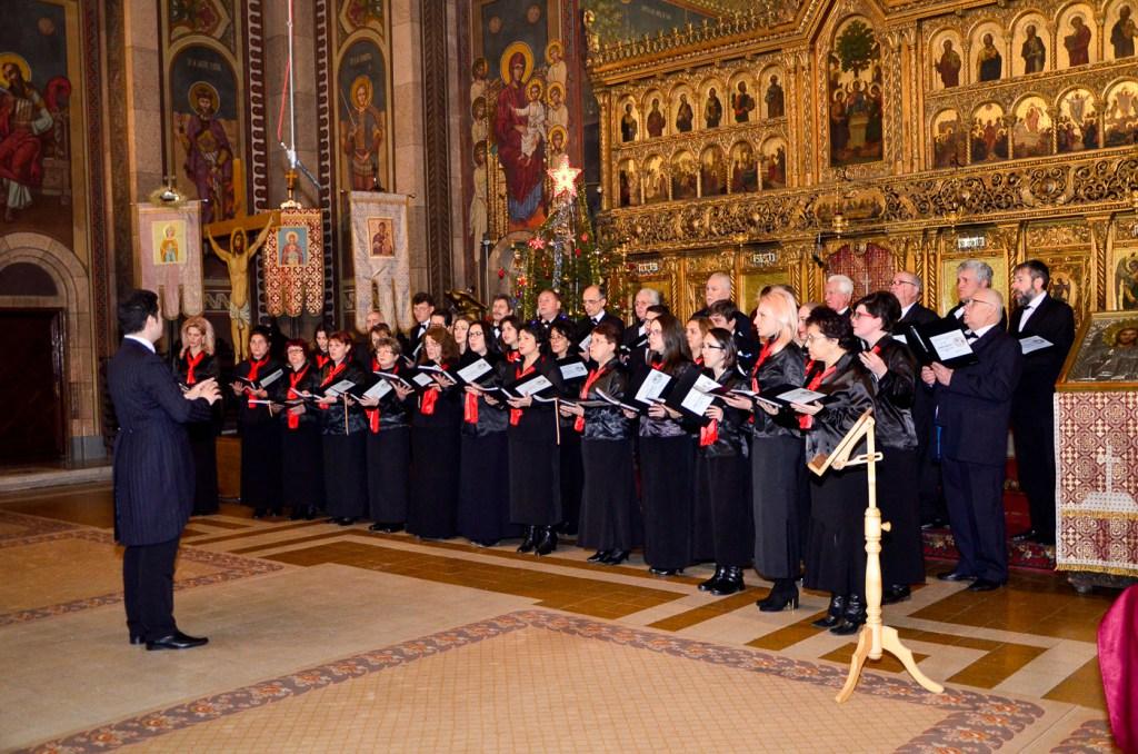 """A XXVI-a ediție a Festivalului coral interjudețean de muzică sacră """"Cu noi este Dumnezeu"""" de la Orăștie"""