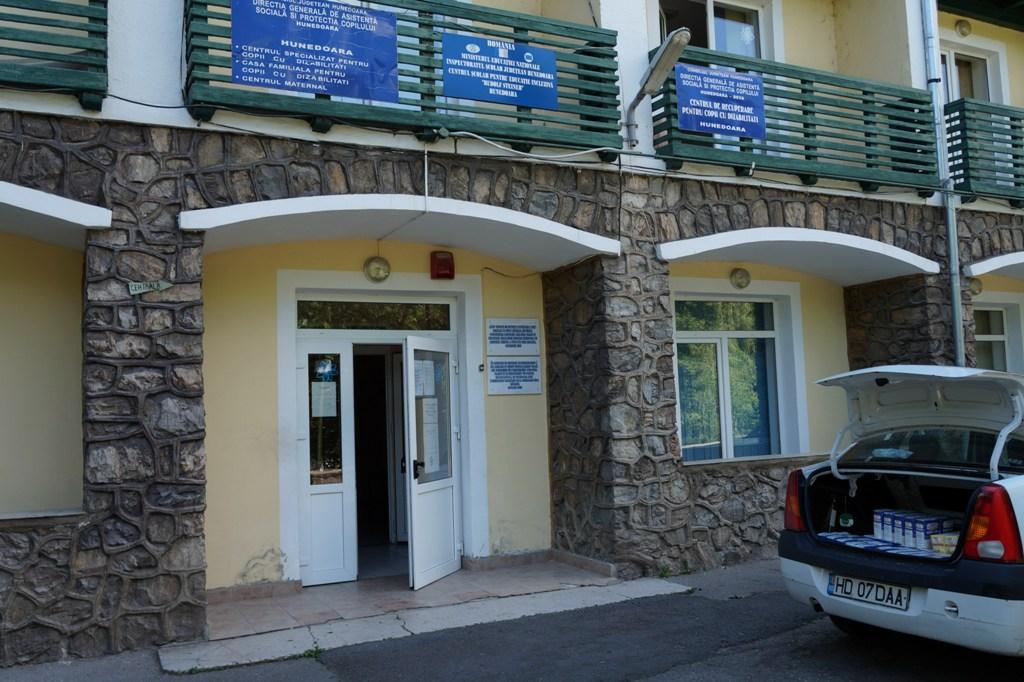 Ajutor pentru copiii din cadrul Casei familiale pentru copii cu dizabilități din Hunedoara