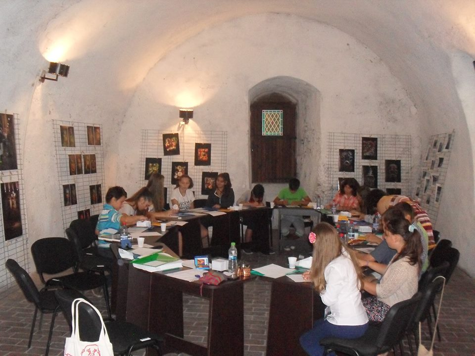 """Muzeul de Arheologie, Istorie și Etnografie Hunedoara: A inceput Atelierul de scriere creativă pentru copii """"Poveștile Monumentelor"""""""