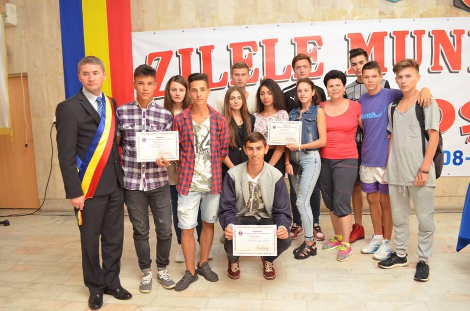 Peste 100 de sportivi premiați în cadrul Zilelor Municipiului Petroșani