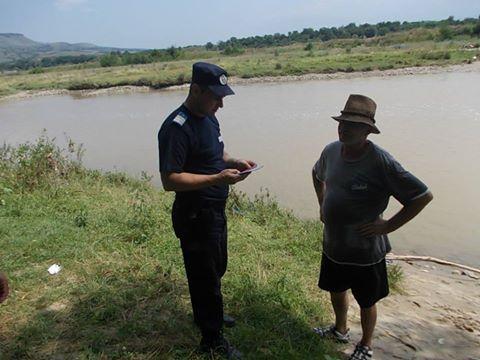 Acţiuni ale jandarmilor hunedoreni pentru combaterea pescuitului ilegal pe râul Mureş