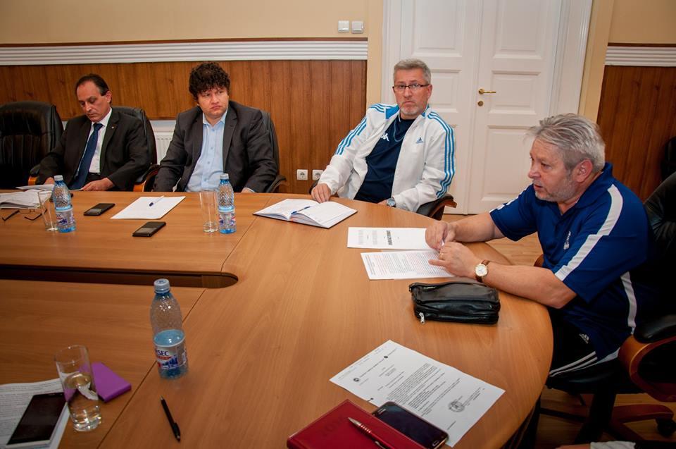 Deva: Se caută surse de finanţare pentru susţinerea Lotului Naţional de Gimnastică