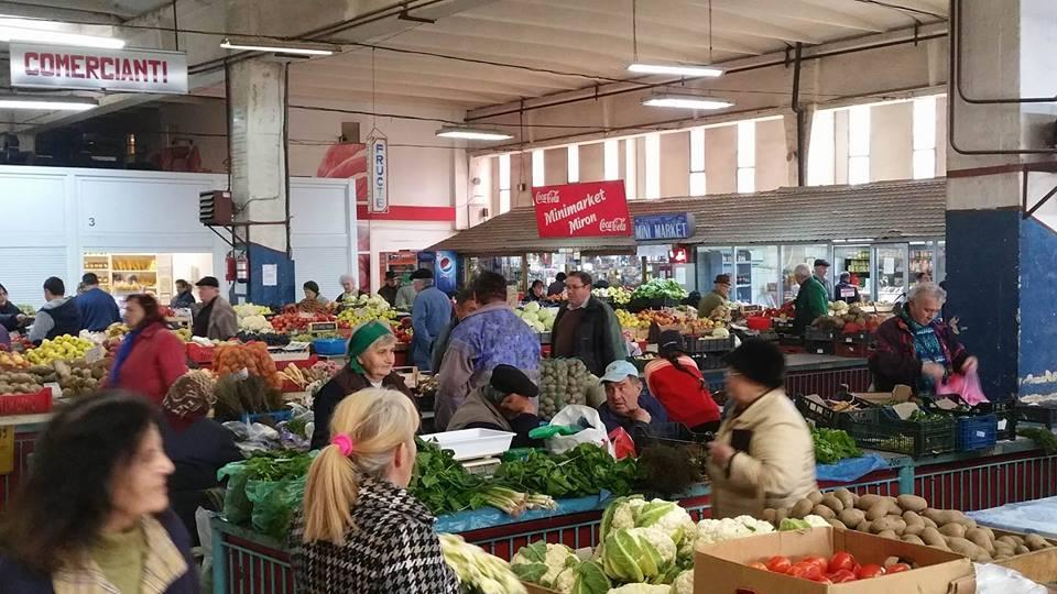 Hunedoara: Vezi prețurile legumelor și fructelor vândute în Piața Obor