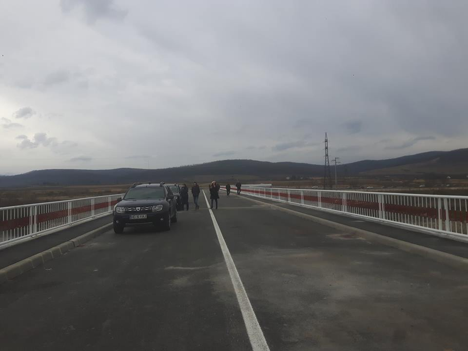 Podul de la Bretea Română, peste râul Strei, deschis circulației