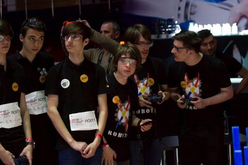 """Echipa de robotică a CN """"Traian Lalescu"""" din Hunedoara a participat la etapa națională a concursului FirstTechChallange"""