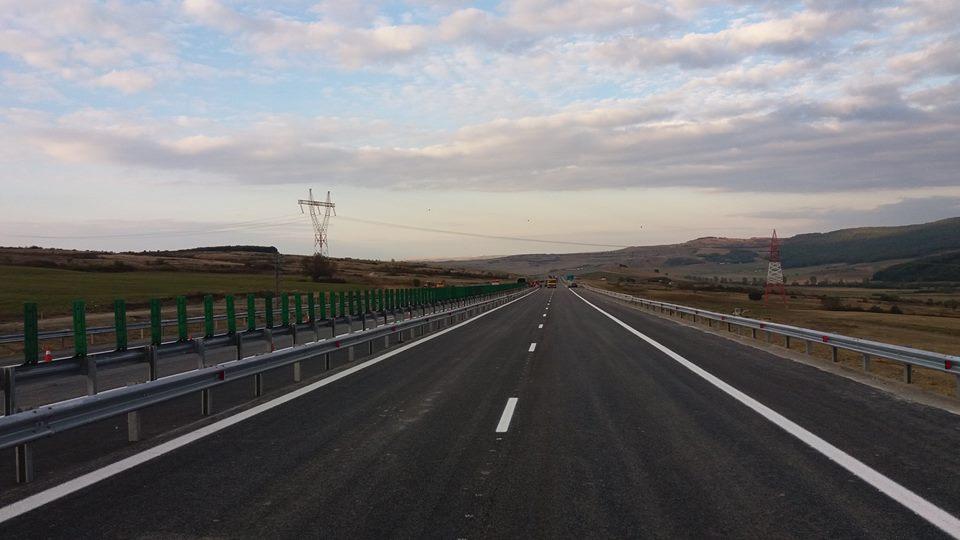 Șofer depistat conducând un autoturism, pe autostrada A1 Râmnicu Vâlcea-Deva, cu 226 km/h