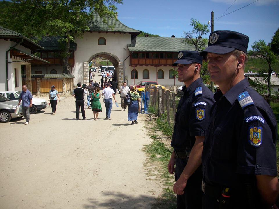 Peste 230 de jandarmi hunedoreni vor fi la datorie în perioada sărbătorilor pascale