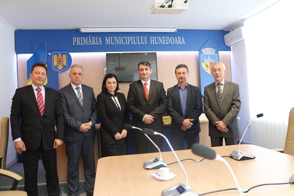 Ambasadorul Bosniei și Herțegovinei în România,  într-o vizită neoficială la Primăria Hunedoara
