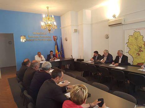 Comisie de dialog social convocată de Instituția Prefectului județului Hunedoara