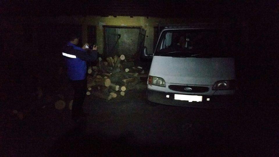 Transport ilegal de material lemnos, descoperit de jandarmii montani din Vața de Jos