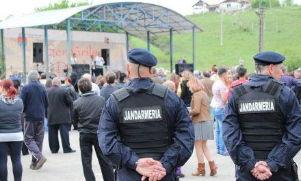 Tânăr din Geoagiu, amendat de jandarmi după ce a lovit două fete