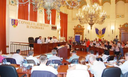 CJ Hunedoara girează peste 30 de evenimente dedicate Centenarului Unirii