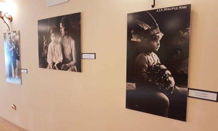 Expoziție foto la Geoagiu-Băi, dedicată regalității și A.S. Regele Mihai I de România