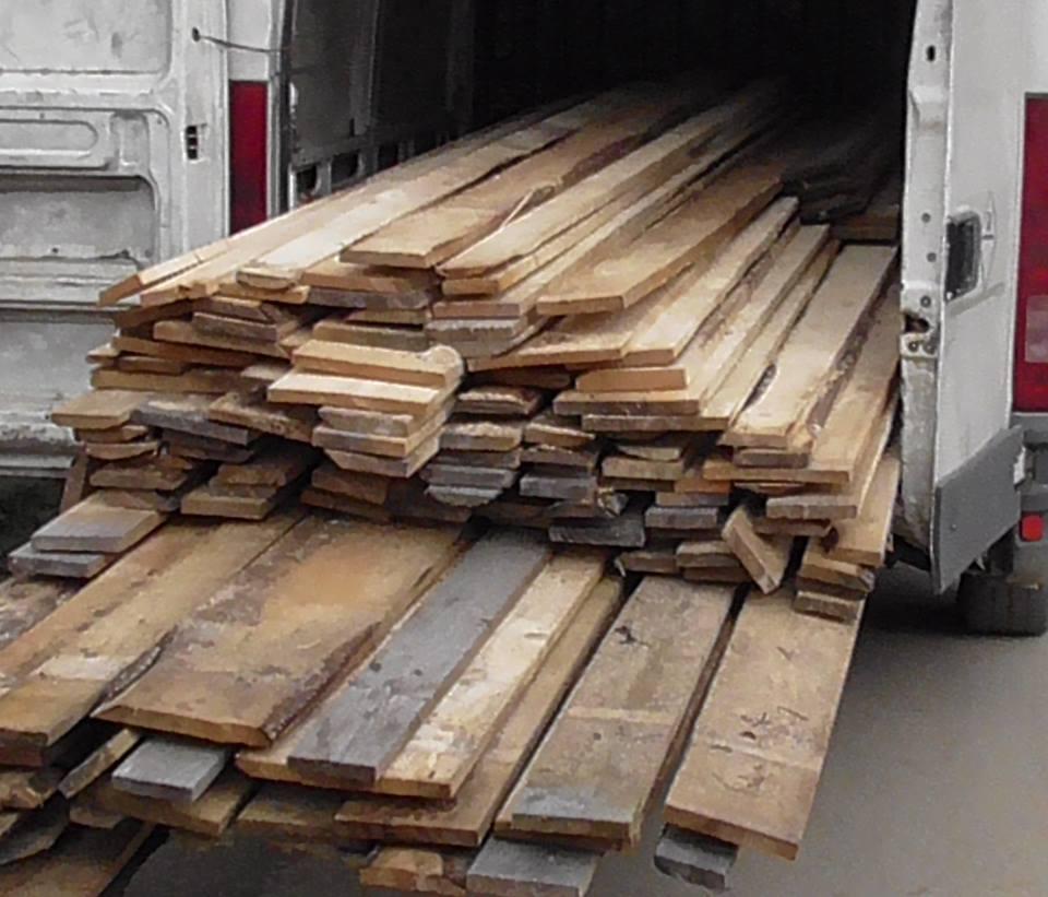 Material lemnos confiscat în Crișcior