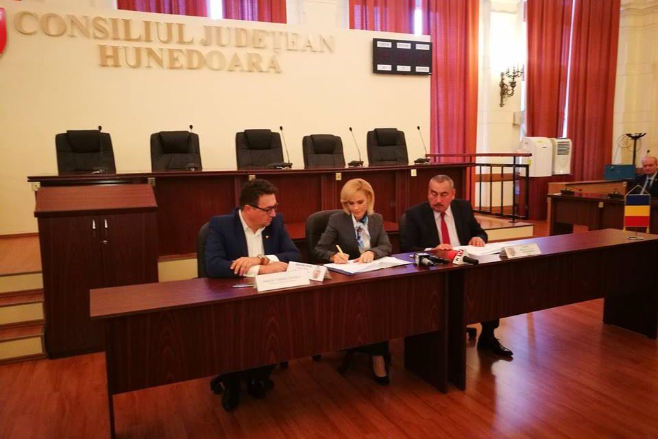 Protocol încheiat între CJ Hunedoara și Primăria București