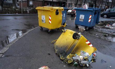 Containere de gunoi incendiate în Hunedoara. Făptașul a fost identificat