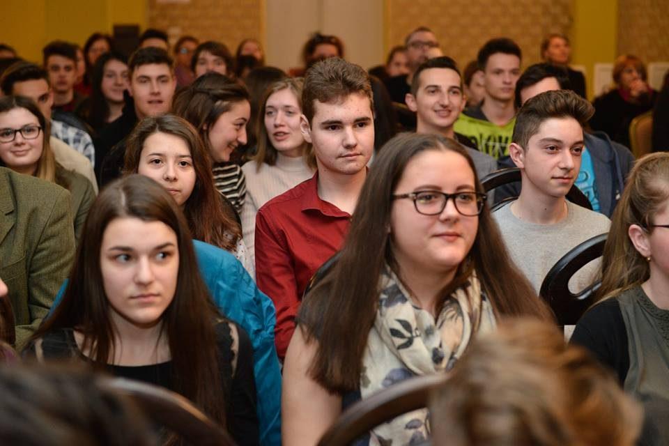"""Deva: Ediție aniversară a concursului """"Citești și câștigi!"""", dedicată Centenarului Marii Uniri"""