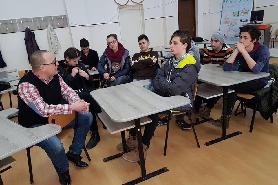 Activități de educare și informare a elevilor din Deva