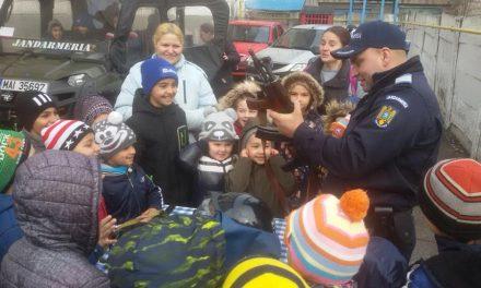 """Școala Altfel"" la Jandarmeria Lupeni"